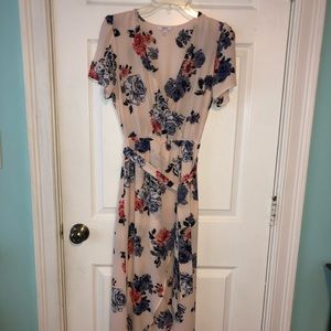 Light Pink w/ Flowers Maxi Dress Short Sleeves